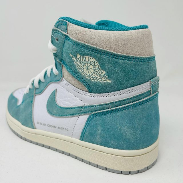 Jordan 1 Turbo Green 🔥🔥🔥 • Shop 100s of Jordan's online or via DM - www.5starattire.com